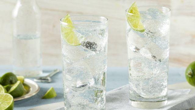 Empresas investem em bebida hard seltzer - Reprodução