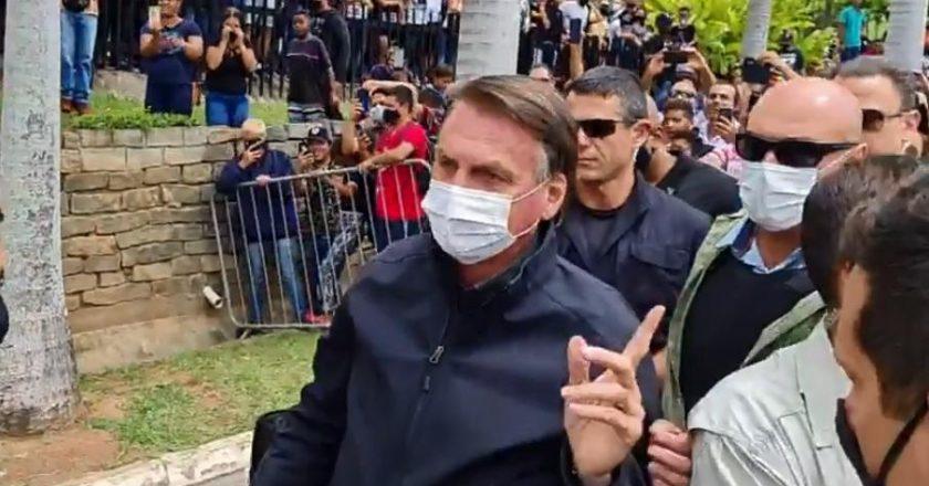 Em SP, Bolsonaro diz 'respeitar os bispos', mas volta a defender armas - Reprodução