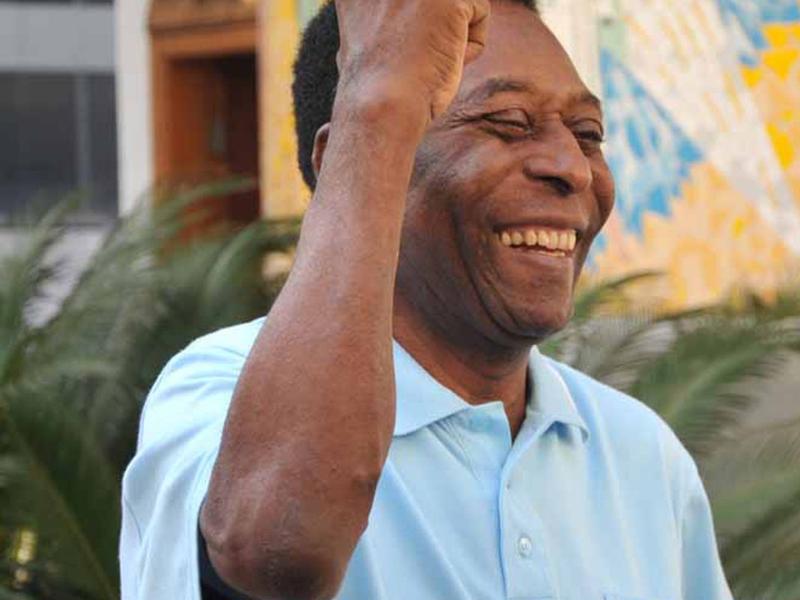 Pelé tem alta da UTI e continua em recuperação no hospital - Reprodução
