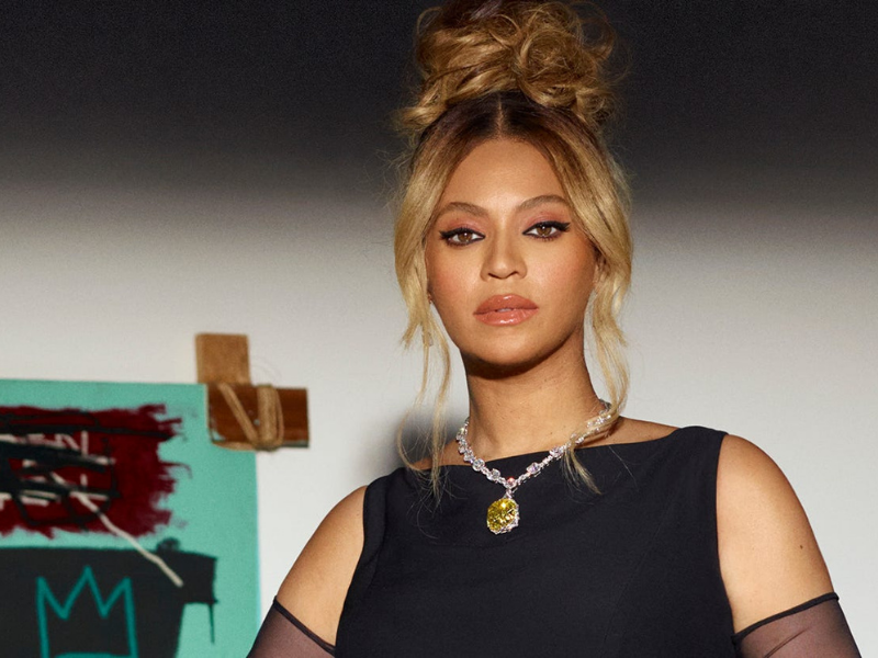 Beyoncé canta 'Moon River' para Jay-Z em campanha para joalheria Tiffany & Co. - Reprodução