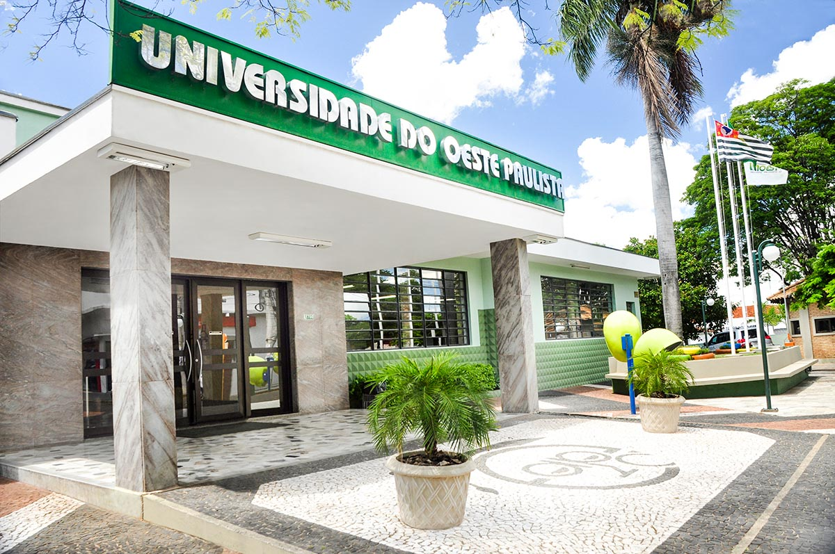 Unoeste expulsa estudantes que castraram cachorro em república - Divulgação